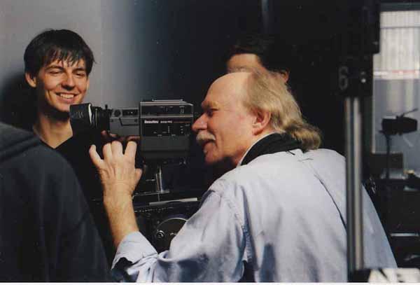 "Snapshot of Cinematographer Jürgen Jürges during filming of ""Szamota's Mistress"" (Szamotas Geliebte)"